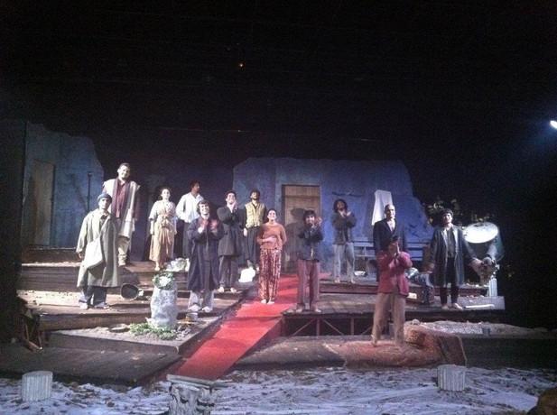 פריז כפריזאי תיאטרון תרבות ואומנות