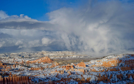 snowstorm over Bryce Canyon