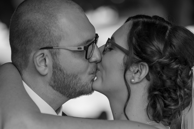 First Kiss Hochzeitskuss