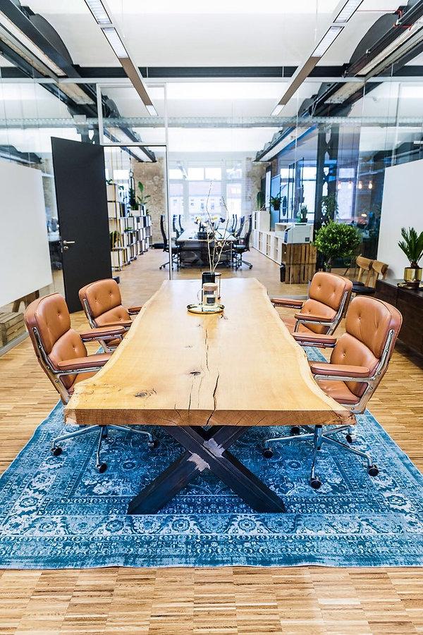 Konferenztisch | Besprechungstisch aus Massivholz