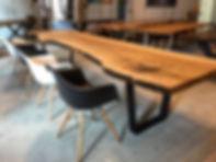 Massivholztisch Baumtisch Esstisch aus Eschenholz mit natürlicher Kante unverleimt aus einem Stück