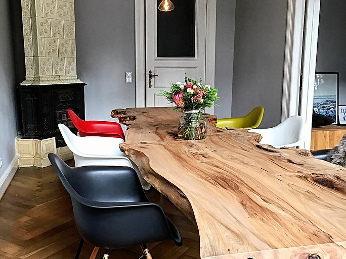 Baumtisch Tischplatte aus Eschenholz unverleimt aus einem Stück | Holzwerk-Hamburg