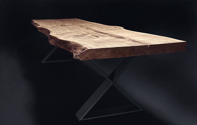 Baumtisch Massivholztisch Esstisch aus Eichenholz unverleimt aus einem Stück | Holzwerk-Hamburg