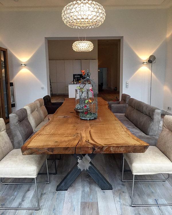 Eichentisch Baumtisch Esstisch unverleimt aus einem Stück | Holzwerk-Hamburg