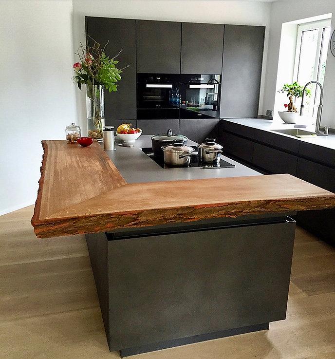 Küchentresen Bartresen massiv aus Holz |
