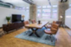 Tisch | Esstisch | Massivholztisch | Baumtisch unverleimt aus Nussbaum | Live-Edge-Table| Holzwerk-Hamburg