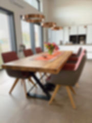 Massivholztisch aus Eichenholz-Altholz