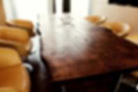 Massivholztisch Esstisch Industriedesign Baumtisch Eichentisch Massivholztisch unverleimt aus einer Bohle Eiche | Holzwerk-Hamburg