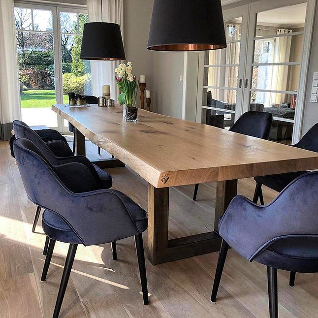 Massivholztisch aus Eichenholz mit natür