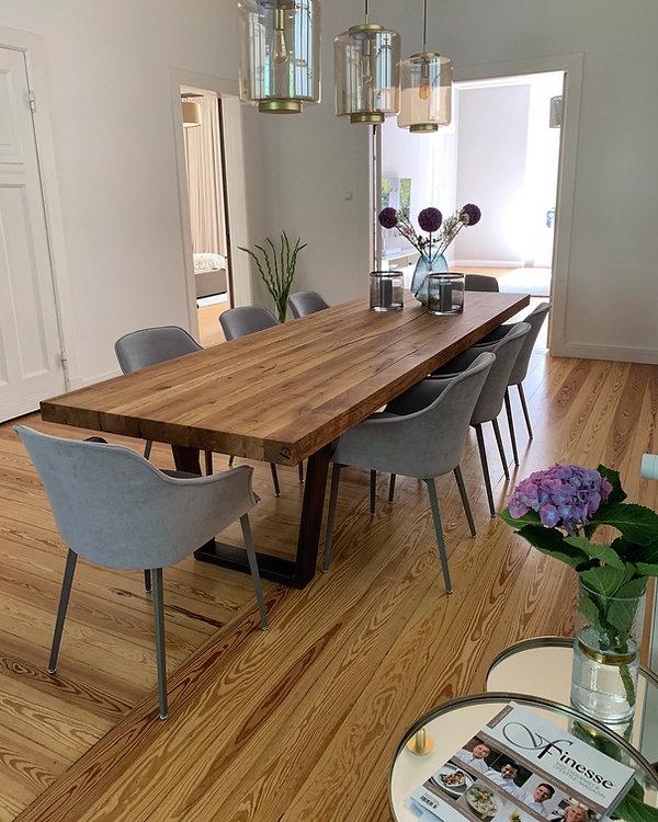 Esstisch Massivholztisch aus Eichenholz-Altholz mit Metallgestell | Holzwerk-Hamburg