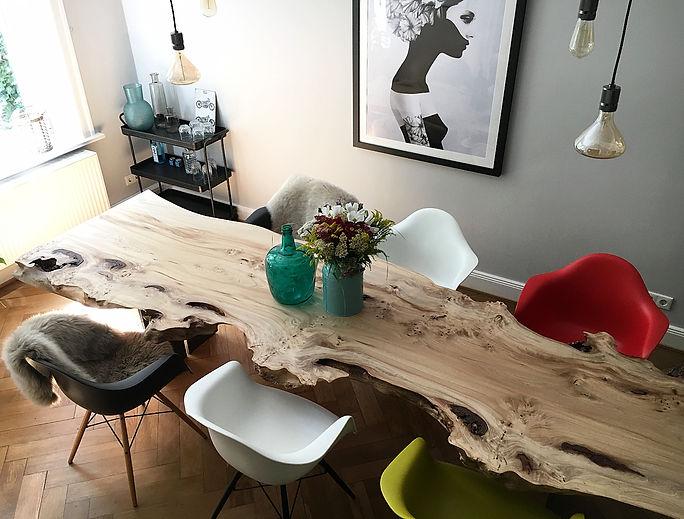 Baumtisch Massivholztisch Esstisch Dinningtable Liveedge table unverleimt aus einem Stück | Holzwerk-Hamburg