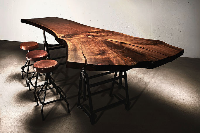 Tischplatte Holztisch Esstisch Baumtisch Massivholztisch unverleimt aus einem Stück Massivholzplatte Nussbaum | Holzwerk-Hamburg