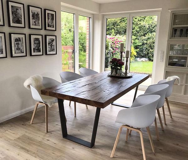 Esstisch aus Eichenholz Massivholztisch Holztisch  Holzwerk-Hamburg Metallgestell Tisch Table Interior Einrichung Esszimmer