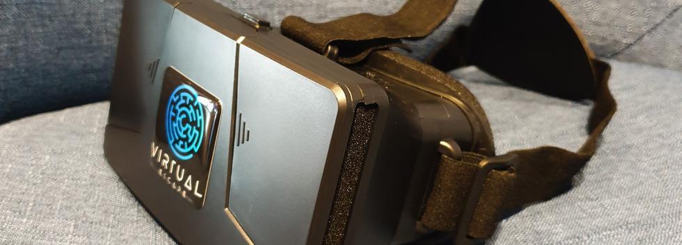 Virtual_Reality_Smartphone_Headset_Halte