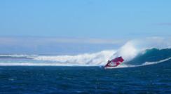Windsurfing in Tenia