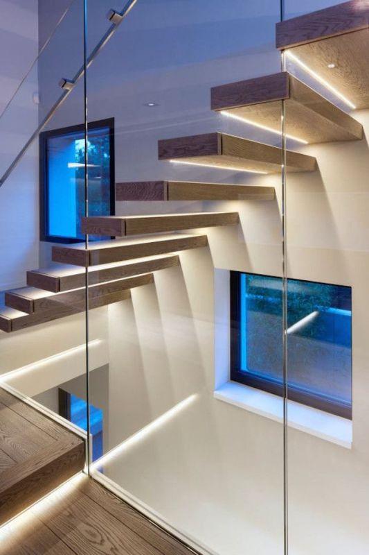 scala con led e vetro