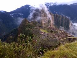 Machu Picchu early morning.jpg