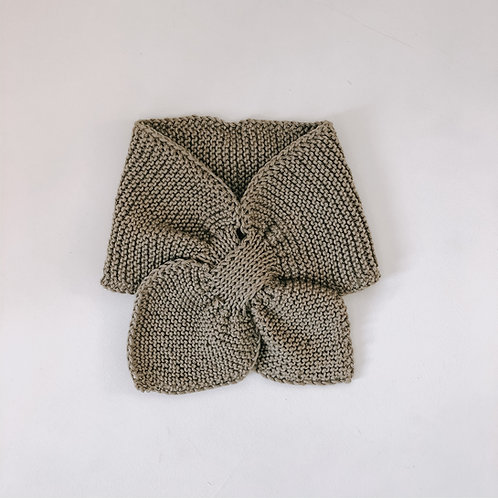 Hand knitted scarf - Olive