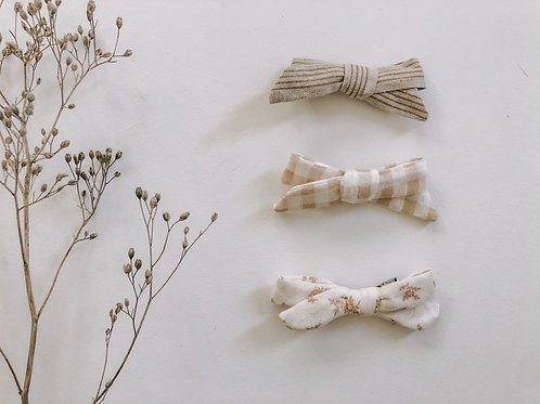Trio of Ivy Bows