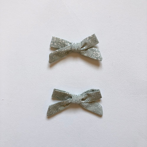 Ivy Bow in Floral Haze