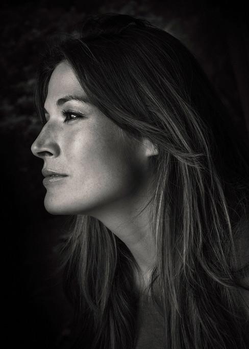 Editorial Portrait (Actress) KATHY SAENZ  Client: Revista VIDA SANA Photographer: Jonathan Manrique Nossa Bogotá, Colombia