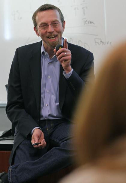 Having fun as guest lecturer at the U. of MN Carlson School of Management