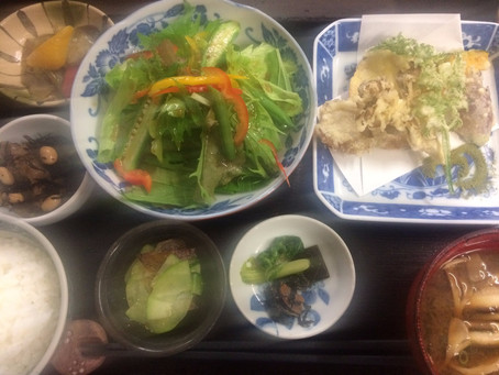 お野菜いっぱい定食…うれしいかも
