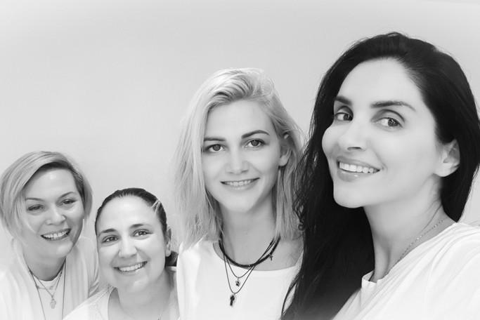 Beauty Salon στην Αθήνα. Η ομάδα μας Studio Lashionista.