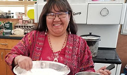First nation participant at an inner journeys Quebec in the kitchen Organism Kina8at