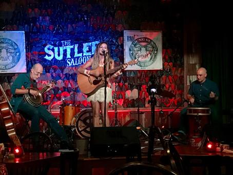 "Raquel Telfer Introduces ""Ziggy Grass"" Music"