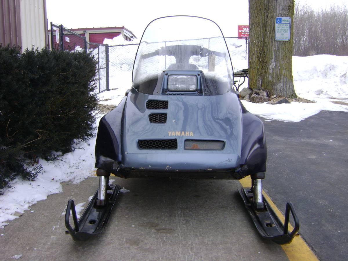 1989 YAMAHA Ovation 300 Cc Twin Sport Snowmobile