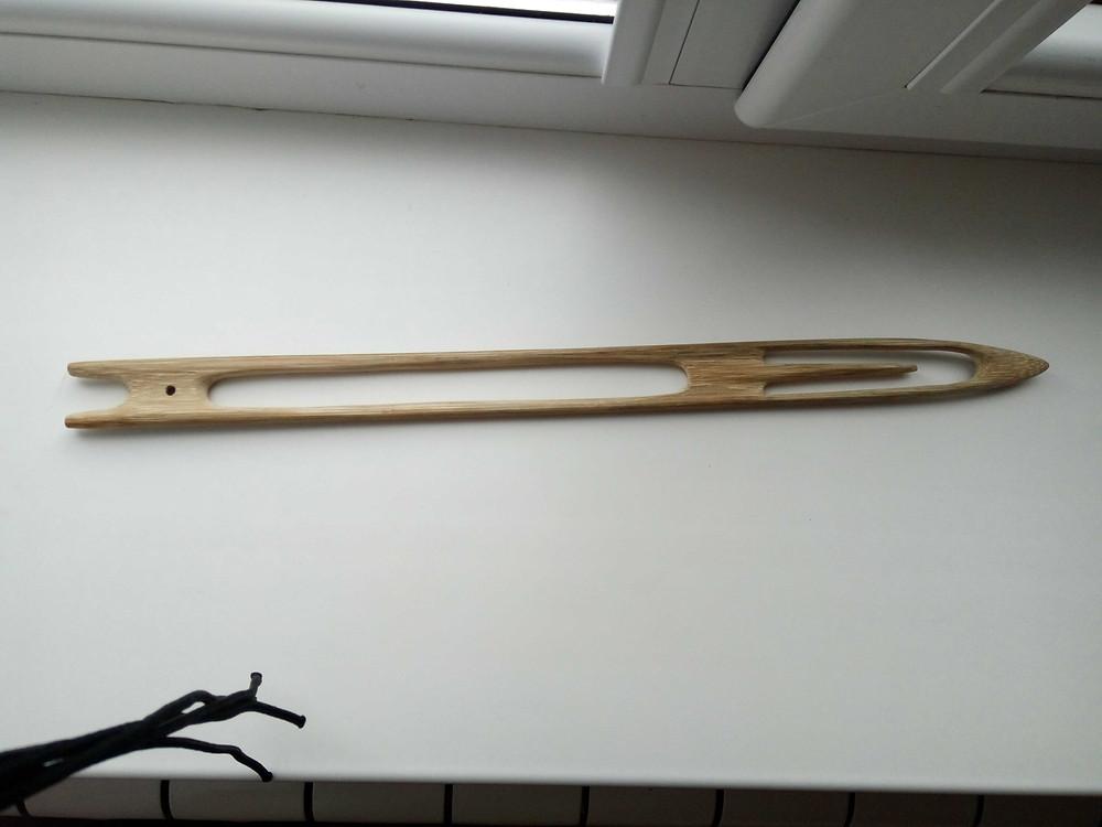 Челнок из бамбука