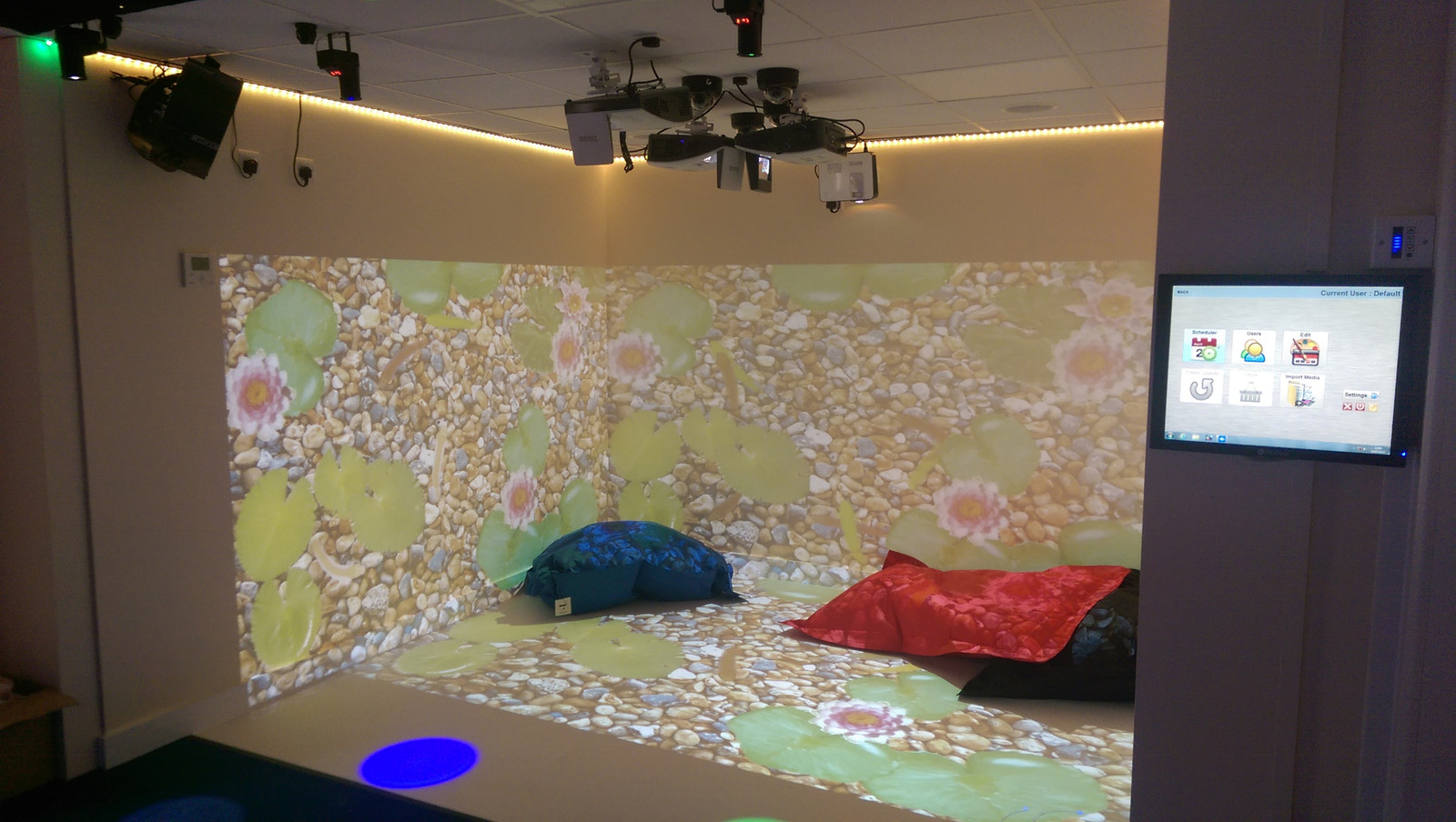 Immersive sensory rooms sensory rooms sensory for Escape room equipment