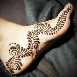 Original design by _mehndi_by_theresa  #mehendi #hennapro #losangeleshenna #henna #glittertattooslos