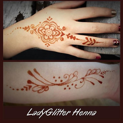 #henna #makeupartist #mitzvah #hireme #hennapractice #hennatattoo #hennaartist #hennadesign #ladygli