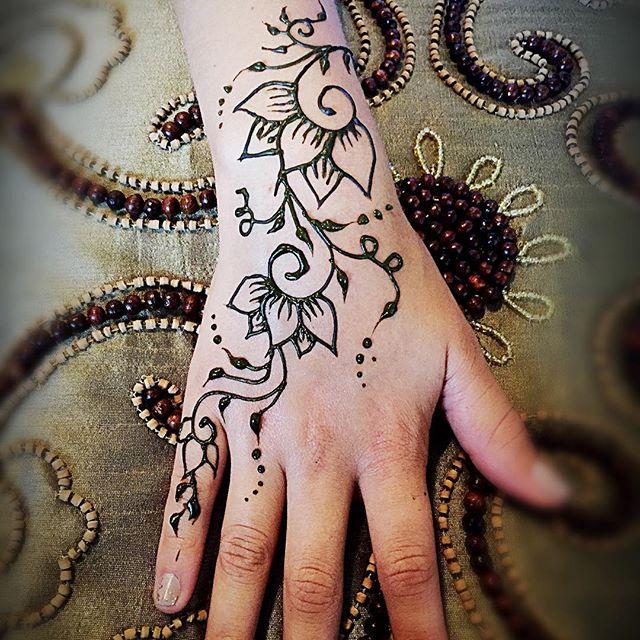 #mihendi #mhendi #hennapractice #hennapro #henna #hireme #hennatattoo #hennaartist #hennadesign #mit