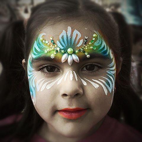 Love green designs #fxmakeup #facepaint #facepainter #facepainting #facepaintingla  #losangelesfacep