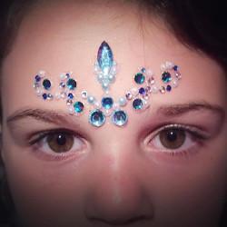 #ladyglitter #hireme #glittertattoo #gems #gemtattoo #bodyart #facepaint #facepainting #facepainter