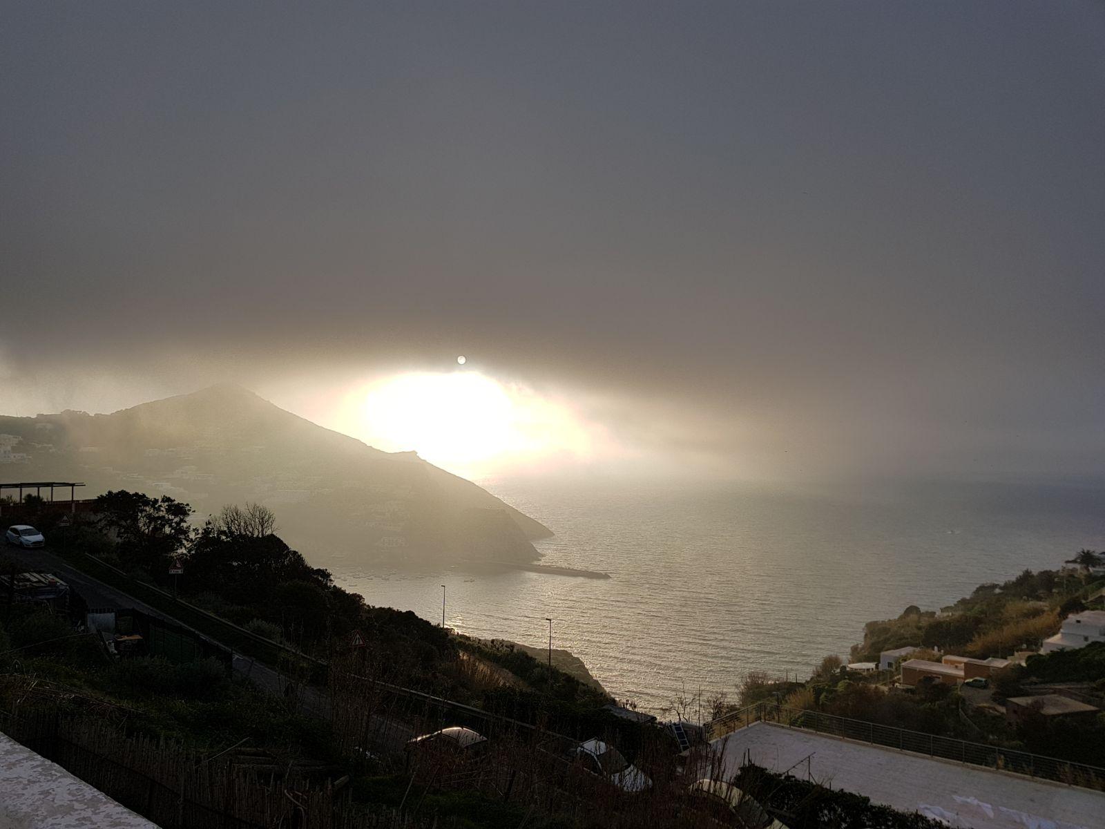 Nubi scure