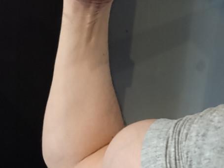 細い方のスタッフによるぬるめの筋トレ 本日は腕トレ
