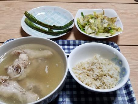 本日の夕食!明日からケトジェニックなのでしばらく米とおさらば!
