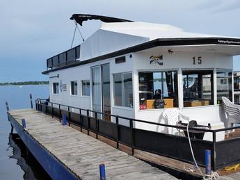 Trent Severn Houseboat