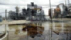 oilrefinery-82517.jpg