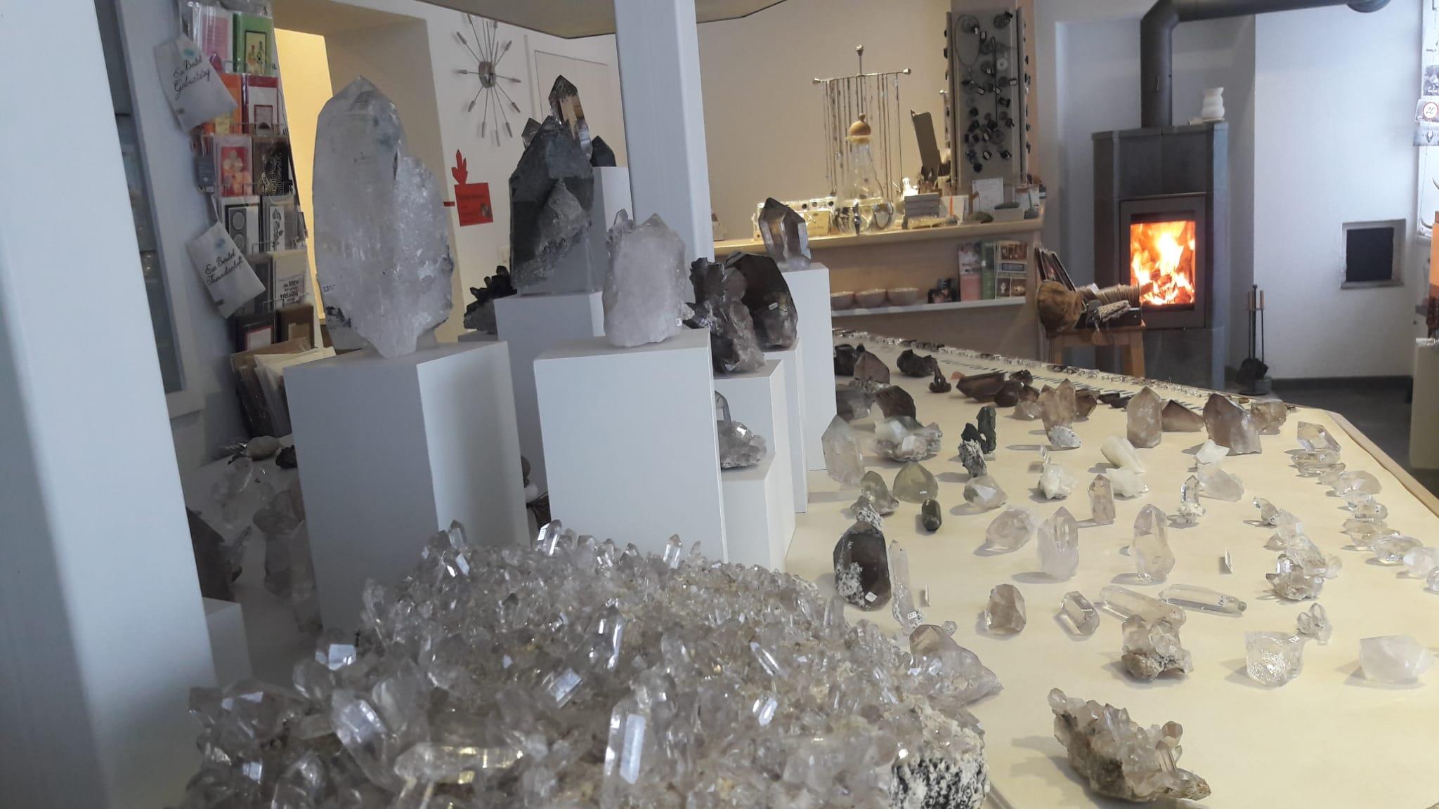 Mineralien und Kristalle Wallis