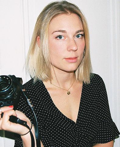 portraitjulieWEB.jpg