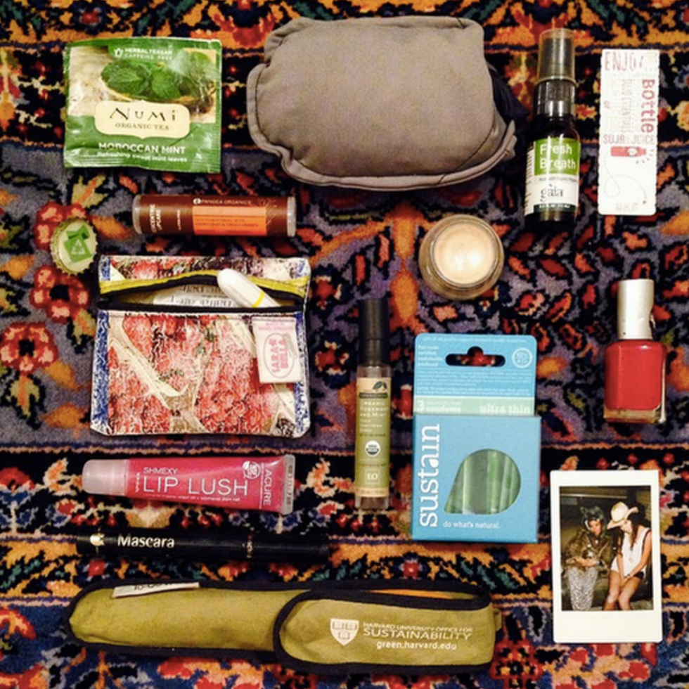 PEEK INSIDE MY BAG!