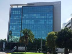 הבניין