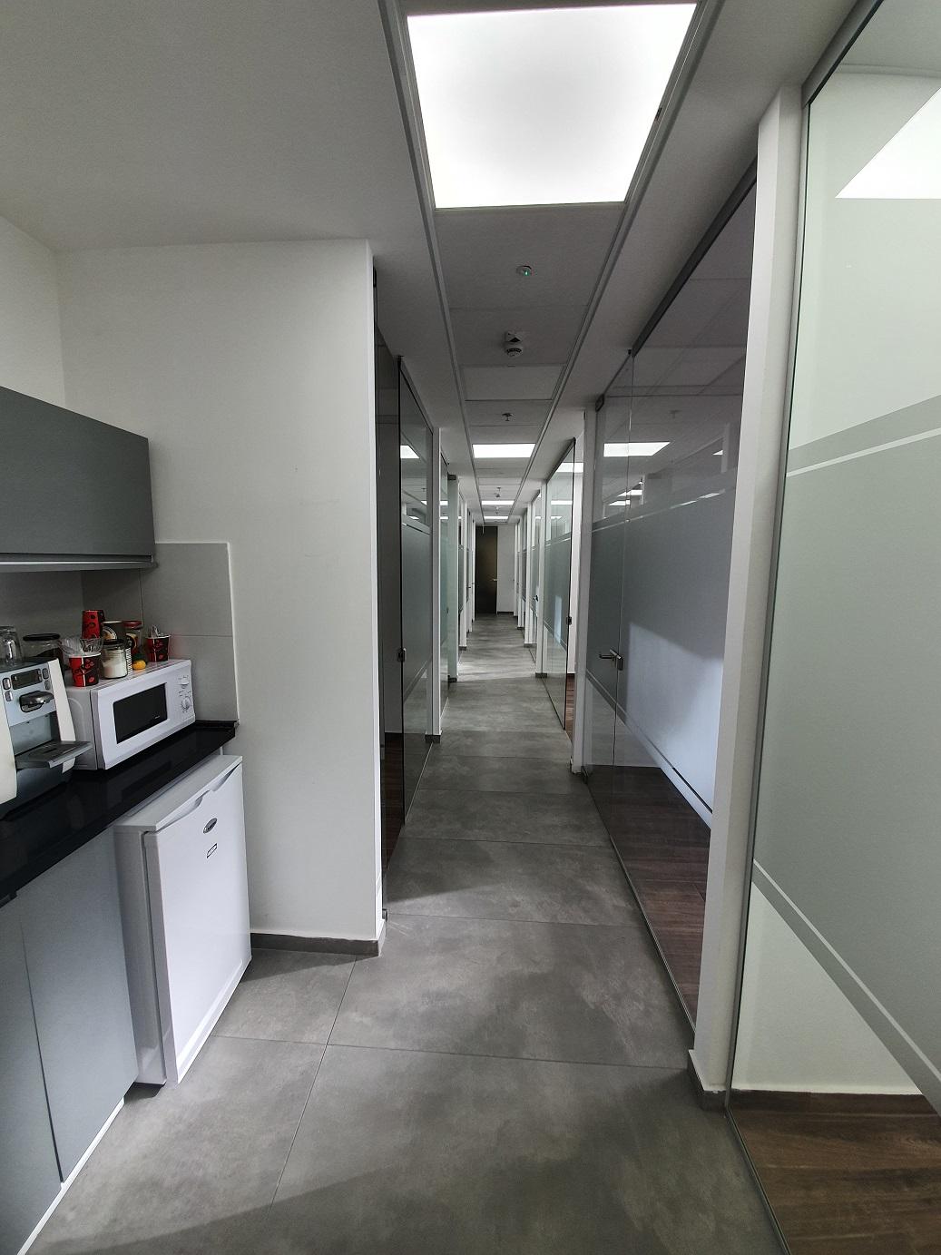 משרד להשכרה במגדלי אלון