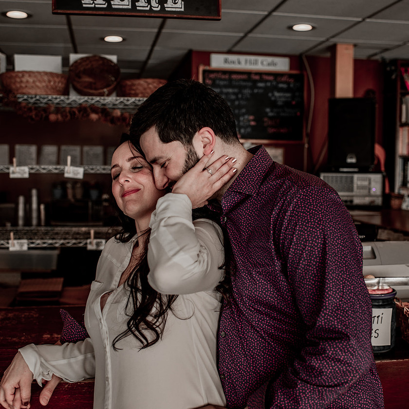Cozy engagement session in NY cafe