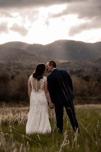 Adventurous elopement in the mountains